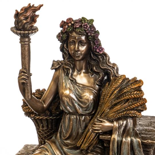 Деметра на троне (77575А4)