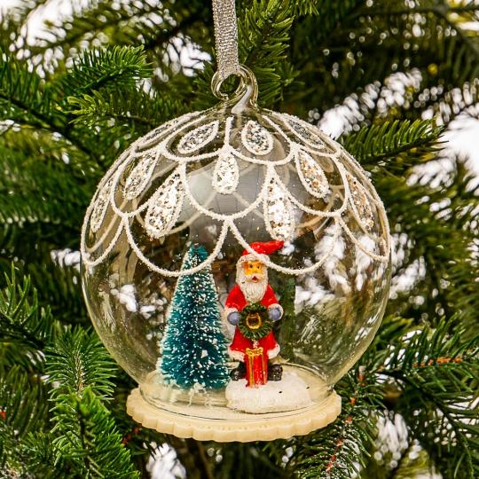 """Елочная игрушка  """"Дед Мороз с подарком в шаре"""" (099NB)"""